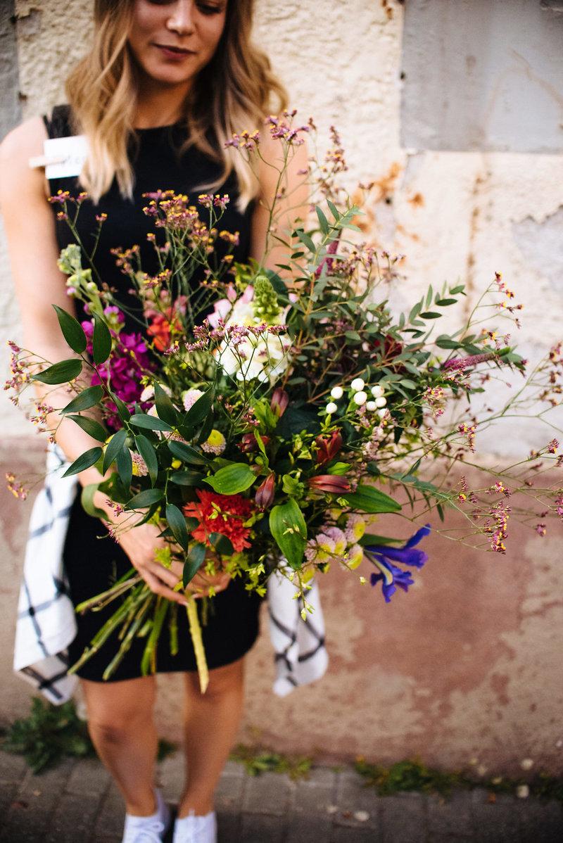 Wildflower Stuttgart Workshop Blumenstrauß mit Frühlingsblumen