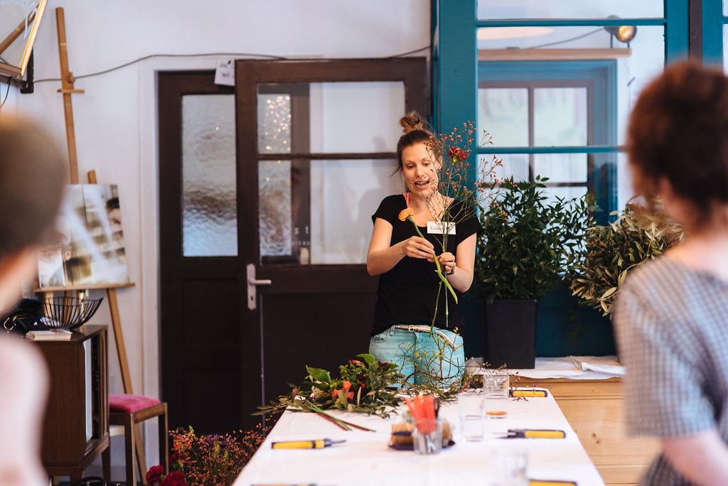 Wildflower Stuttgart Workshop Blumenstrauß mit bunten Blumen